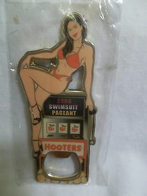 Hooters Girl Magnetic Bottle Opener 2000 Swimsuit Pageant 2000