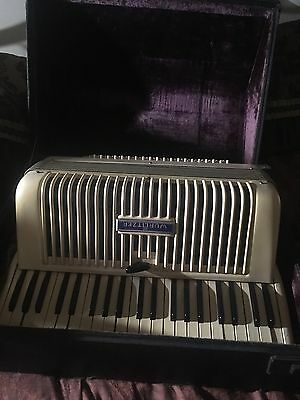 antique wurlitzer accordion