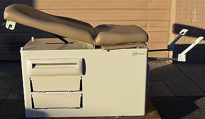 UMF Medical 5250 Exam/Examination Bed New W/Cosmetic Damage