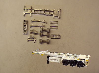 P&D Marsh N Gauge n Scale MV230 30ft Skeletal trailer (1) kit requires painting