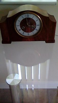Chiming Clock Walnut in Co!our