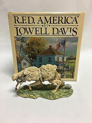 Lowell Davis A Wolf in Sheep's Clothing Figurine Mint w/ Box MIB