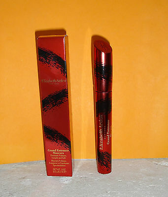 Elizabeth Arden Black Grand Entrance Mascara 8,5 ml, für kurvige Wimpern NEU