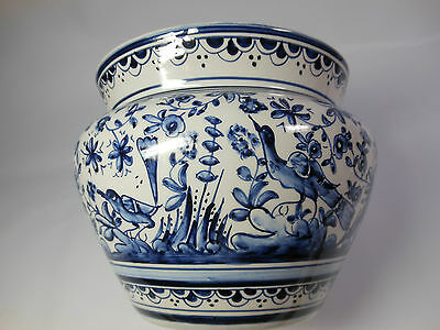 Beautiful Quality Portuguese Hand Decorated Scenic Blue and White Pot