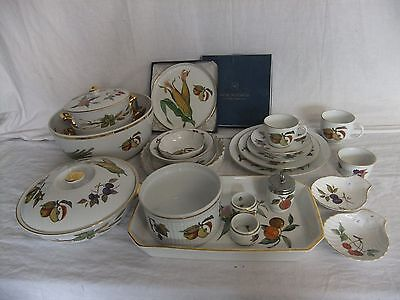C4 Porcelain Royal Worcester Evesham unmarked, gild edge Oven To Table Ware 5D1A