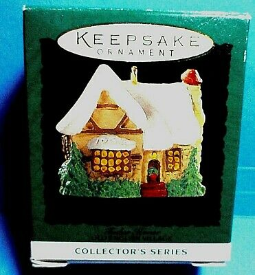 "Hallmark ""Tudor House"" Miniature Ornament 1995"