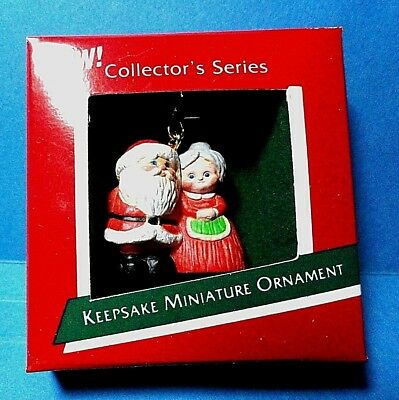 "Hallmark ""The Kringles"" Miniature Ornament 1989"