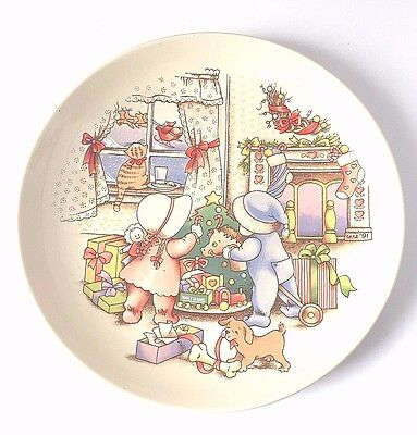 """Watkins """"Christmas Is Love"""" Country Kids In Original Box 1991 Collector's Plate"""