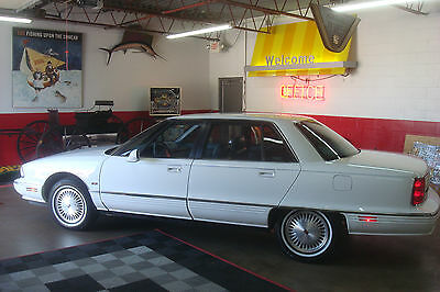 "1996 Oldsmobile Ninety-Eight Elite-Leather-New Tires-LAST YEAR OF 98 PRODUCTION ORIGINAL FAMILY OWNED SINCE NEW ""CAR IS ABSOLUTELY BEAUTIFUL""  WELL MAINTAINED"