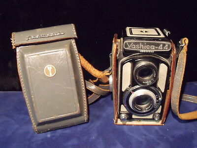 Yashica 44 LM TLR with Case (EXCELLENT CONDITION
