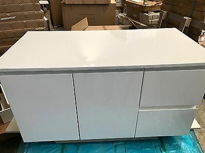 Peculiar 900mm Assembled Polyurethane White Wall Hung Bathroom Vanity Stone Top