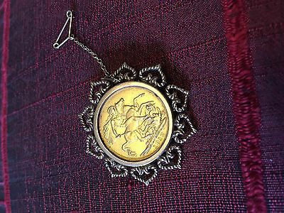 1912 gold sovereign brooch, unusual. stunning with lovely delicate mount.