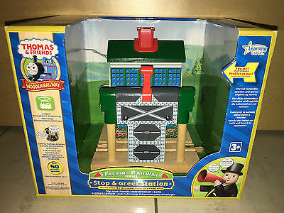 Learning Curve Thomas & Friends Wooden Railway Stop & Greet Station Haltestation