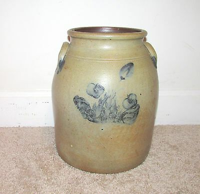 ANTIQUE 2 GALLON STONEWARE CROCK w/ BLUE FLOWER DESIGN PRIMITIVE POTTERY