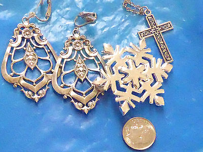 Fashion jewelry VINTAGE LOT SALE OF 3 ITEMS EARRINGS, PIN AND CROSS NECKLACE