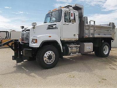 2016 Western Star 4700 4700SF Tractor Truck - Medium Conventional 2016 Western Star 4700SF Dump Truck Automatic