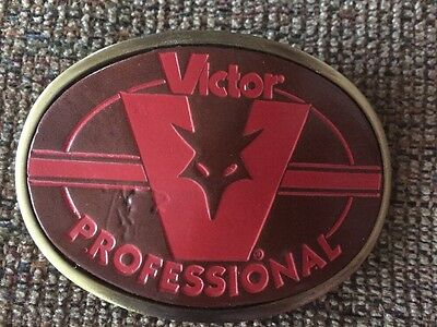 VINTAGE VICTOR TRAPPING TRAPPERS BELT BUCKLE  -Metal With Leather Insert