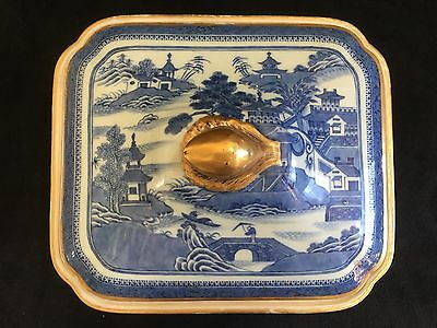 Chinese 18/ 19th Century Blue And White Porcelain Box With Cover