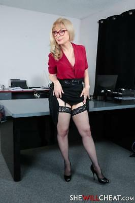 Nina Hartley 11.5 x 8.5 inch Glossy Photo No5