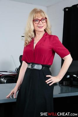 Nina Hartley 11.5 x 8.5 inch Glossy Photo No2