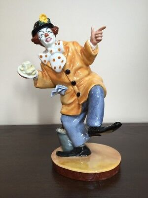 "Royal Doulton Figurine ""The Clown"" HN 2890"