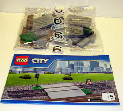 Lego Train Crossing from 60098 **NO TRACKS* *-- BRAND NEW & FREE POSTAGE