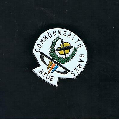 2006 Niue Commonwealth Games Team Members Badge. Extremely Scarce Low Mintage.