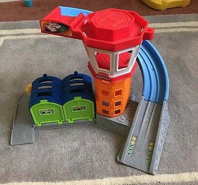 Fisher Price Little People Airport. Exc Condition. As New