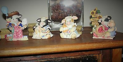 Enesco Mary's Moos Five cute figurines and 3 bales of straw