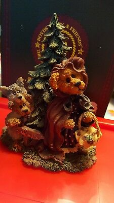 """Boyd's Bears """"Lil Red w/BB Woof"""" """"Going to Grandma's"""" #2452 with Original Box"""