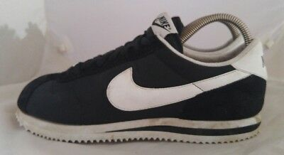 Mens Nike Classic Cortez Running Shoes Size: 8 Color: Black White