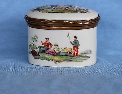 Fantastic Porcelain Snuff Box With Handpainted Battle Scenes Metal Mounted