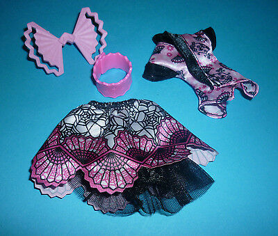 """Clothes & Acc' from """"Monster Exchange"""" Draculaura Monster High Doll"""