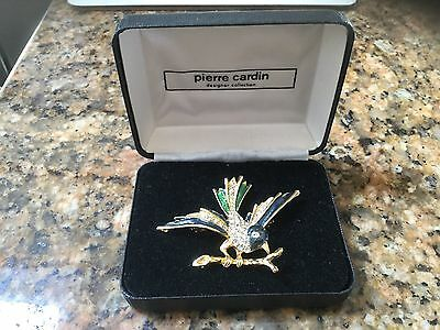 Pierre Cardin Designer Collections Gold Tone Vintage Brooch. Used.