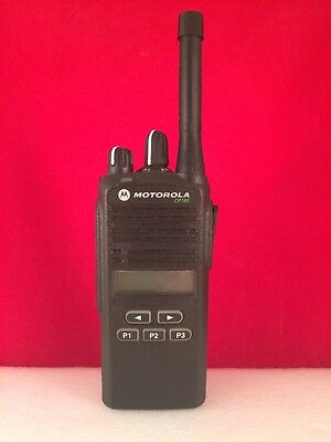 Motorola CP185 UHF Radio 16 Channel 435-480 Mhz With Charger