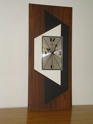 Vintage Mid Century Modern Verichron Floating Panels Battery Op. Wall Clock C3