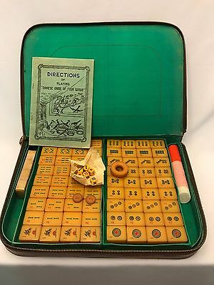 Pre-Owned Mahjong Bakelite Butterscotch 148 Tiles in Zippered Faux Leather Case