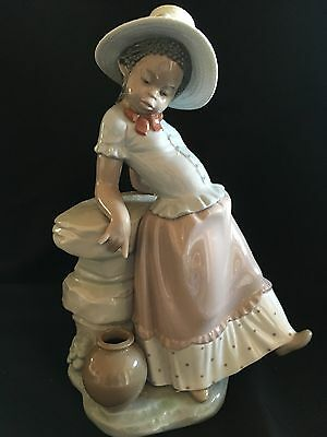 "Lladro #5158 ""a Step In Time"" Black Legacy Collection Original Box"