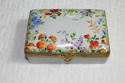 Signed Vintage Tiffany Private Stock Hand Painted Porcelain Dresser Box
