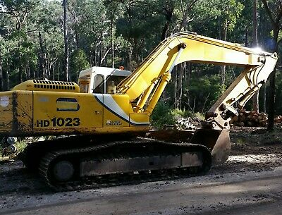 Excavator dry hire 2006 Kato 1023HD Multiple attachments available