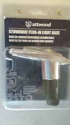 attwood stowaway plug-in light base