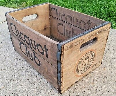 Vintage Clicquot Club Soda Harrisburg, PA Eskimo Boy Wood Bottle Crate Carrier