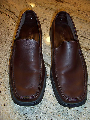 Tod's Men's Brown Leather Loafer Driving Shoes Size 9/10 with Storage Bags
