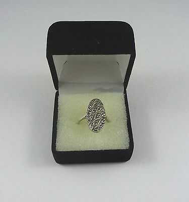 Lovely vintage solid silver ring set with marcasites – box incl