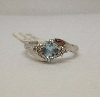 18ct White Gold Topaz and Diamond Claw Set Dress Ring with Full Hallmark