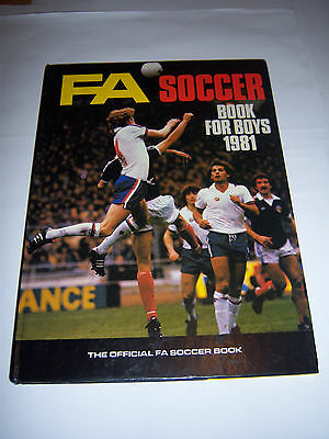 The Fa Soccer Book For Boys 1981 - Nottingham Forest - Football Annual