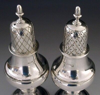 BEAUTIFUL LARGE ENGLISH STERLING SILVER SALT AND PEPPER POTS 1988 149g 5.5 inch