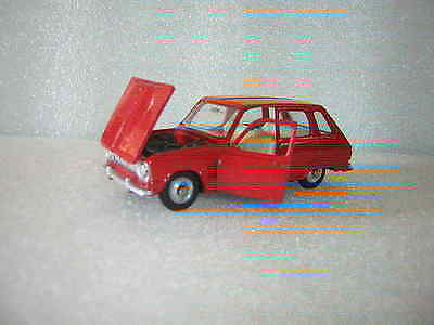 DINKY TOYS - RENAULT 6    diecast  1/43