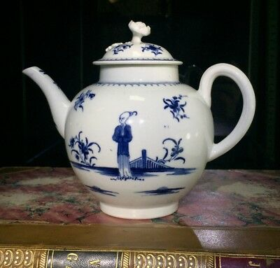 Worcester teapot, painted in 'The Waiting Chinaman' pattern, c. 1770