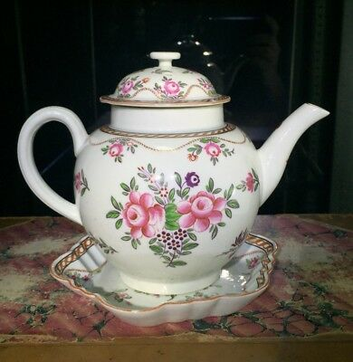 Worcester teapot & stand, Chinese Export flowers pattern, circa 1775